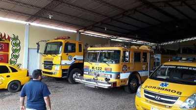 Bomberos de Minga Guazú anuncian paro total y cierre del cuartel