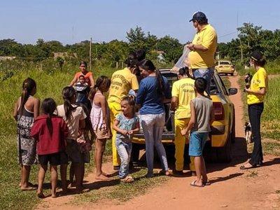 Bomberos repartieron almuerzos a familias necesitadas en Yby Yaú