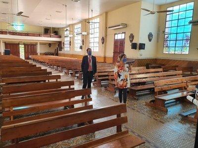 Fiscalía investiga supuesta celebración de misa con fieles en parroquia de Asunción
