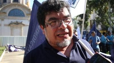 """HOY / """"Estamos insistiendo en la integración de un Comite de Emergencia Educativa"""", Gabriel Espínola, dirigente de la OTEP-SN"""