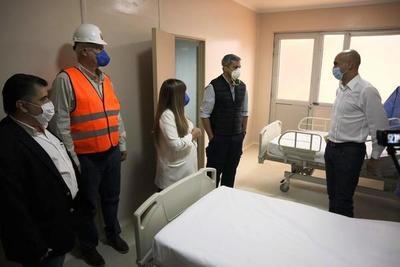 Inauguran hospitales construidos en tiempo récord para pacientes de Covid-19 •