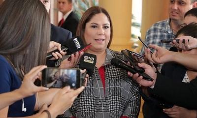 Renuncia Patricia Samudio, presidenta de Petropar