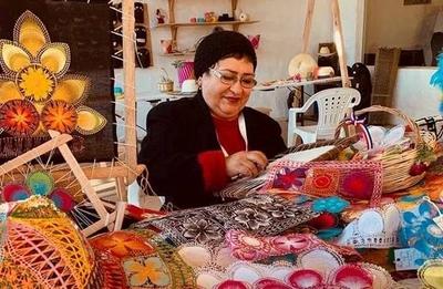 HOY / El Instituto Paraguayo de Artesanía (IPA) asiste a familias artesanas con kits de víveres