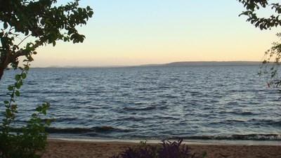 Lago Ypacaraí se recupera en medio de cuarentena