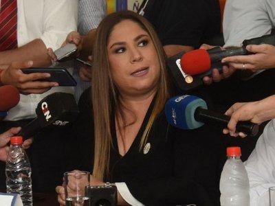 Patricia Samudio renuncia luego de trabar una investigación de Fiscalía
