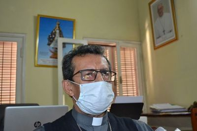 En incertidumbre viven numerosas familias, según obispo