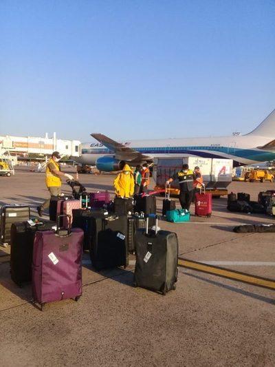 Arribaron 156 compatriotas provenientes de Estados Unidos