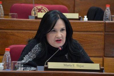 Ex senadora Bajac pidió suspensión de audiencia
