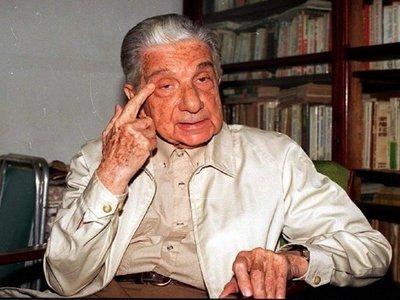 A 30 años de la entrega del Premio Cervantes a Roa Bastos