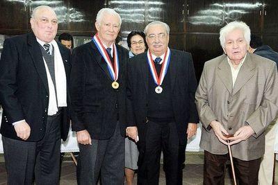 Falleció Ricardo Moreno Azorero, reconocido médico y premio nacional de ciencias