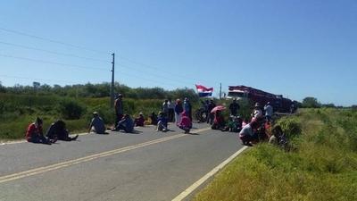 HOY / Comunidades indígenas del Chaco cierran ruta y exigen kits alimentarios a la SEN