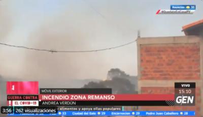HOY / Quema de basuras ocasiona en un incendio de gran magnitud en la zona de Remanso