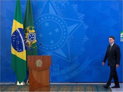 Brasil llega a 3.670 muertes por Covid-19 en medio de crisis política