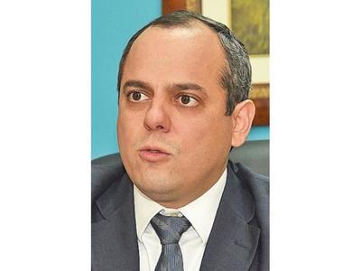 Contraloría pide informes sobre   medicamentos