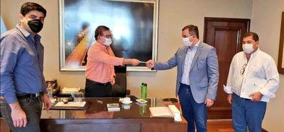 EBY entregó G. 1.750 millones para Consejo de Salud de Misiones