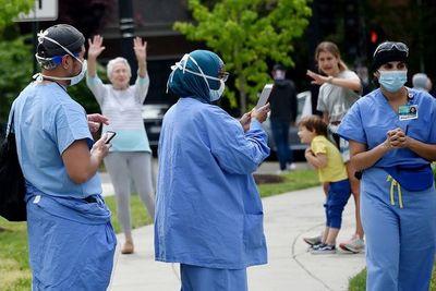 Muertes por coronavirus en todo el mundo rozan las 200.000