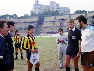El día que Guaraní le ganó un amistoso a Uruguay en el Centenario