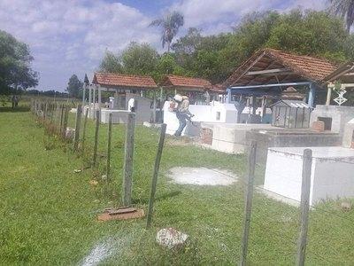 Vecinos oñemondyi por entierro nocturno