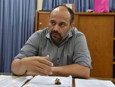 Viceministro niega sobrecostos en adquisición de insumos
