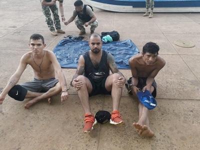 Detenidos cuando intentaban cruzar el río Paraná sobre un colchón inflable