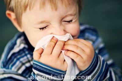 Es posible que algunas de las precauciones que toman los padres no estén ayudando para evitar que los niños se resfríen