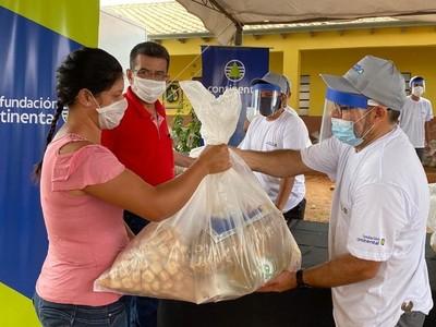 Banco Continental inició entrega de kits de alimentos a familias que pertenecen a instituciones educativas construidas por la entidad