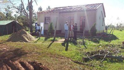 Reparan puesto de salud afectado por temporal en San Javier