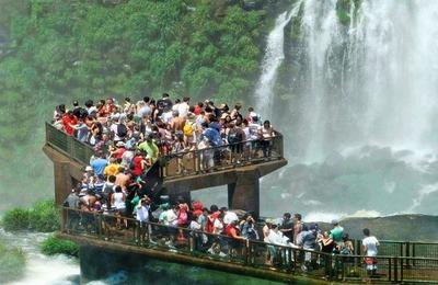 Cataratas del Yguazú una maravilla visitada por 1,8 millones de turistas