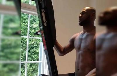 La rutina de ejercicios con la que LeBron James motiva a sus seguidores durante la cuarentena