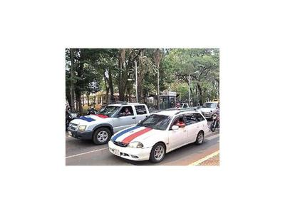 Caravana en apoyo al intendente de CDE