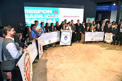 Premian a cinco colegios de Alto Paraná por su contribución en la lucha contra el dengue