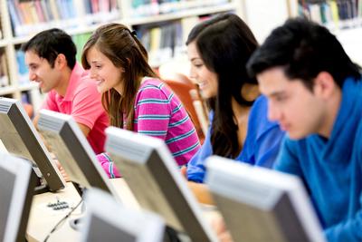 El ingreso de las universidades cayó un 70 % aproximadamente durante la crisis, sostienen
