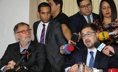 """HOY / Acusación de Fiscalía del Brasil contra Cartes pareció más bien una """"publinota"""""""