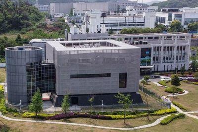 Secretario de Estado de EE. UU. afirma que 'evidencia enorme' vincula el coronavirus a un laboratorio de Wuhan