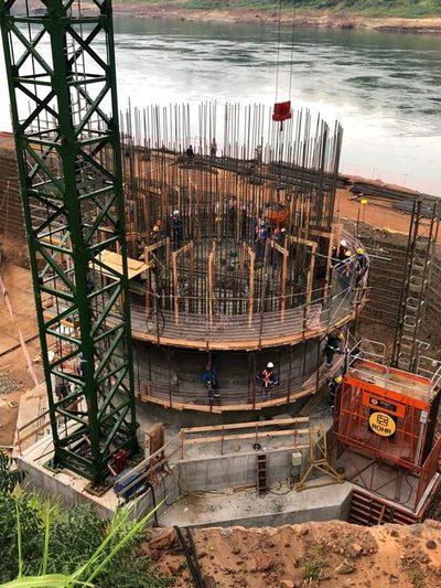 Señalan que el nuevo puente entre Paraguay y Brasil «avanza bien» a casi un año del inicio de obras