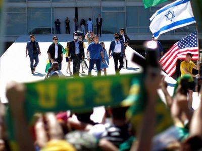 Bolsonaro protesta, mientras  Brasil ya es el  7º país con más muertos