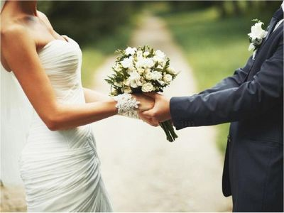 Fiscalía imputa a pareja que se casó durante cuarentena total