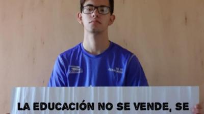 Estudiantes exigen interpelación a Petta a través de galería de fotos
