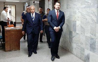 Defensa de Ulises Quintana apela fallo que ordena mantenerlo en prisión
