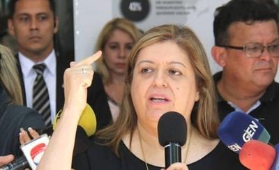 HOY / Fiscales Generales se solidarizan con Sandra Quiñónez y condenan hostigamiento
