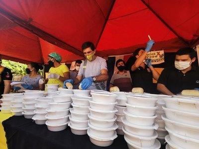 Gustavo Costas y Guaraní ayudaron a los más necesitados de Areguá