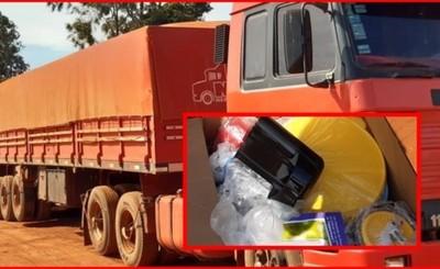 Mujer detenida al mando de camión con mercaderías de contrabando