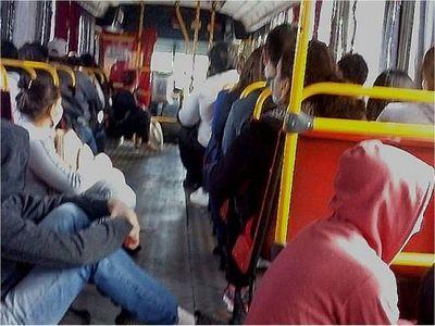 Gobierno busca gasoil más barato para transportistas