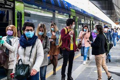 Los estragos del virus en la economía se agravan y los países avanzan en el desconfinamiento