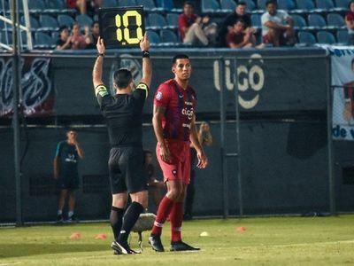 Julio Dos Santos expectante del retorno al fútbol