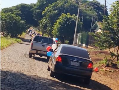 Con caravana, padres exigen descuento de cuotas