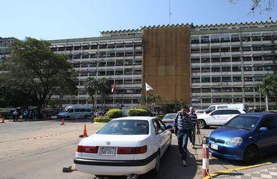 Diputados pedirán informes alIPS por compra de 2 minibuses