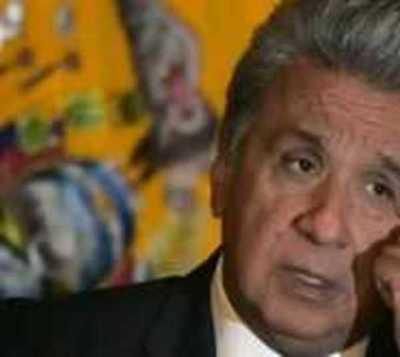 Presidente de Ecuador reduce a mitad su sueldo y a todo su gabinete