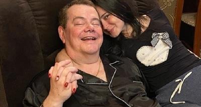 Rodolfo Friedmann se muestra feliz con su nueva 'reina'