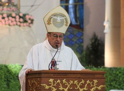 Obispo cuestionó la verdad sobre las causas del covid
